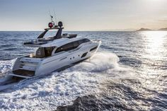 Fort Lauderdale International Boat Show The Ferretti Yachts 700 is the perfect combination of comfort and élan.