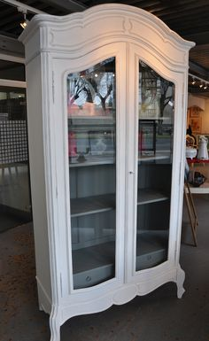 Armoire bonnetiere vitrine ancienne patinée