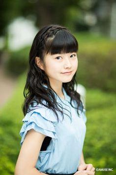 Updated Yui Mizuno Amuse profile picture O.O: http://artist.amuse.co.jp/artist/mizuno_yui/