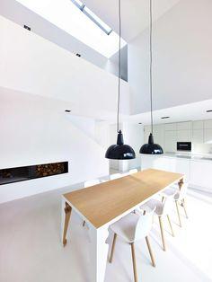 Preis: Carlotta, dma deckert mester architekten, Essbereich mit Brücke, © Victor S. Brigola