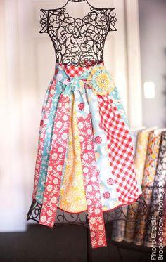 65 best Cute Apron ideas images on Pinterest   Cute aprons, Aprons ...
