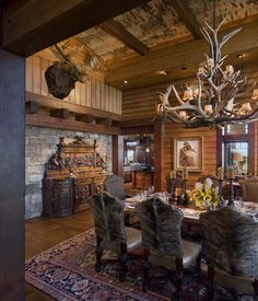 dining rooms Lazy Bear Lodge - traditional - Dining Room - Dianne Davant and Associates. Western Decor, Rustic Decor, Log Cabin Homes, Log Cabins, Cabin Interiors, Western Homes, Le Far West, Dining Room Design, Decorating Your Home