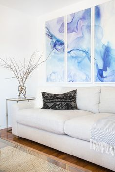 Modern watercolor print: http://www.stylemepretty.com/living/2016/06/24/this-bright-modern-la-home-is-giving-us-all-the-beach-vibes/ | Photography:Tessa Neustadt