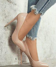 #stilettoheelsnylons