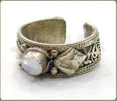 Vintage Adjustable Tibetan Silver Filigree Genuine Moonstone Gemstone Two Protection Dorje Amulet Ring