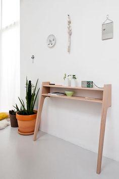 Caroline Gomez beech wood 2-legged console