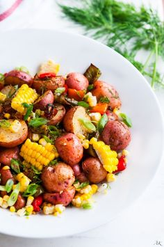4. Southwest Roasted Potato Salad #healthy #lettucefree #salad #recipes http://greatist.com/eat/salad-recipes-without-lettuce