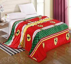 Яркий плед на кровать с логотипом Феррари купить в интернет-магазине