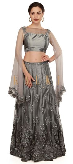 Grey lehenga enhanced in attached bat sleeve only on Kalki Indian Attire, Indian Outfits, Indian Clothes, Ghaghra Choli, Embroidery On Kurtis, Indian Look, Bat Sleeve, Lehenga Choli, Indian Bridal