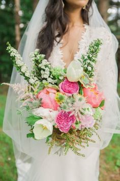 pink white boho wedding bouquet ideas