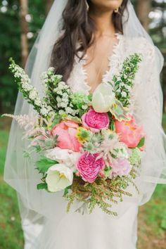 pink white boho wedding bouquet ideas