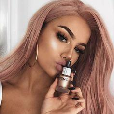 Stunning Rose Gold Hair Ideas For Women To Looks Pastel Pink Hair, Purple Hair, Ombre Hair, Pink Wig, Dusty Pink Hair, Light Pink Hair, Balayage Hair, Hot Hair Styles, Medium Hair Styles