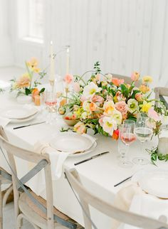 Texas Citrus Wedding Inspiration by The Happy Bloom - Southern Weddings Floral Wedding, Rustic Wedding, Wedding Flowers, Wedding Bouquets, Flower Decorations, Table Decorations, Southern Wedding Inspiration, Peach And Green, Pale Orange