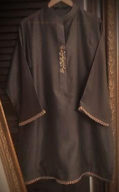 Source by Dresses Girls Dresses Sewing, Stylish Dresses For Girls, Stylish Dress Book, Fancy Dress Design, Stylish Dress Designs, Simple Pakistani Dresses, Pakistani Dress Design, Pakistani Couture, Pakistani Fashion Party Wear