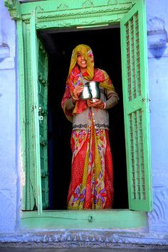 Love the smile, love the door. Makes me want to visit and enjoy some real hospitality. Rajasthan #india