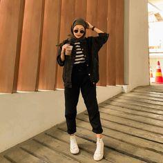 Modern Hijab Fashion, Street Hijab Fashion, Hijab Fashion Inspiration, Muslim Fashion, Korean Fashion, Stylish Hijab, Casual Hijab Outfit, Casual Outfits, Fashion Outfits