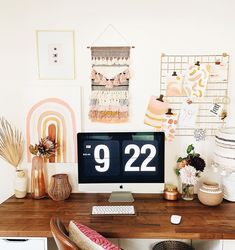 Feminine, boho, modern home office style Home Office Design, Home Office Decor, Office Inspo, Office Style, Desk Inspo, Feminine Office, Work Cubicle, Boho Chic, Study Room Decor