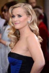 I think this is perfect. I want simple and elegant. Reese is totally rockin this look.