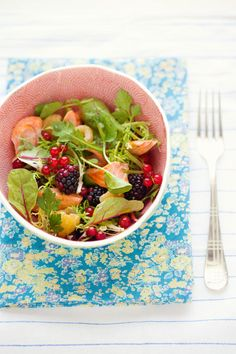 Salmon and Berry Salad by cannellevanille.com #Salad #Salmon #Berries #cannellevanille