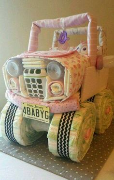 Jeep Diaper Cake& are the BEST Baby Shower Ideas! Jeep Diaper Cake& are the BEST Baby Shower Ideas! The post Jeep Diaper Cake& are the BEST Baby Shower Ideas! & Babyshowerparty appeared first on Gender reveal ideas . Regalo Baby Shower, Baby Shower Diapers, Baby Shower Fun, Baby Shower Cakes, Baby Shower Themes, Baby Boy Shower, Shower Ideas, Best Baby Shower Gifts, Diaper Shower