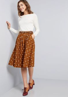 ModCloth Breathtaking Tiger Lilies Midi Skirt in Black Black Girly Outfits, Mode Outfits, Classy Outfits, Fall Outfits, Modest Casual Outfits, Office Outfits, Stylish Outfits, Maxi Skirt Outfits, Dress Skirt