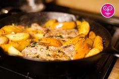 Pan Fried Paleo Pork Chops and Apples - Paleo Porn: Steamy Paleo Recipes Paleo Menu, Paleo Recipes, Whole 30 Recipes, Great Recipes, Favorite Recipes, Paleo Pork Chops, Caveman Food, Meat Fruit, Main Dishes
