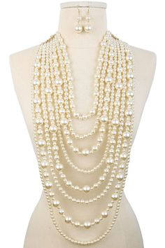 earls have a timeless aura around them and worn the correct way they will help you look sophisticated and fashionable. Multiple strands of pearls can work both for day and evening outfit combinations.