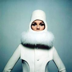 Nicole De La Marge in Pierre Cardin, 1967. Photo by Peter Knapp.
