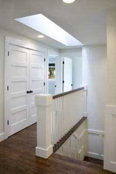 This railing---easy to clean ---modern cottage interior barn doors интерьер Modern Cottage, Cottage Living, Cottage Style, Ikea, Railing Design, Floor Colors, Cottage Interiors, Layout, Exterior