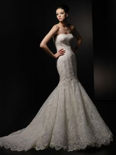Beautiful wedding gown by ENZOANI Is available now in Elegance By Roya.
