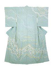 """Fukuda Yoshishige Shishu homongi """"Seisei kyorai"""" (Kimono, """"Seisei kyorai"""", embroidery) The finely executed patterning that adorns the whole surface of this kimono is strikingly contemporary in feeling."""