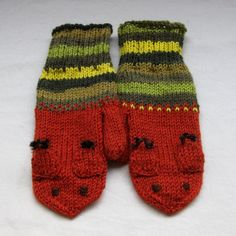 Squirrel mittens in brown and greens for grownups by SaijaSkills, €21.00