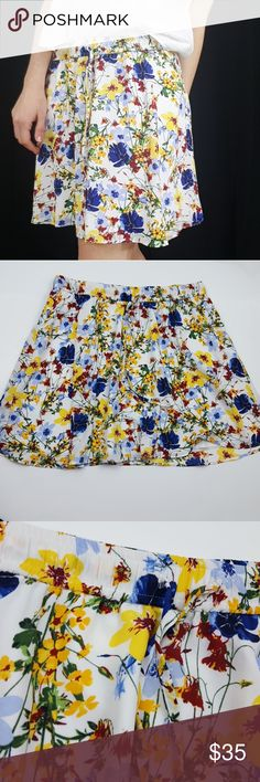 NWT! Banana Republic floral skirt -B5 New with tags! Banana Republic floral skirt size XS, but easily fits a size 6. Gorgeous spring or summer pattern! Lined. Bundle up! Offers always welcome!:)  Shop my husband's closet!: @kirchingeraaron Banana Republic Skirts