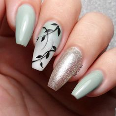 Beautiful nails by Ugly Duckling Nails page is dedicated to promoting quality, inspirational nails created by International Nail Artists Tropical Nail Designs, Tropical Nail Art, Green Nail Art, Green Nails, Easy Nail Art, Cool Nail Art, Nagellack Trends, Luxury Nails, Pretty Nail Art