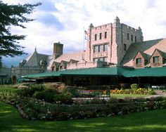 Park Country Club - Buffalo Wedding Venues for Brides in Buffalo, Niagara Falls and Western New York - Map compiled by KZO Studio Wedding Videography (www.kzostudio.com) - Click for more information on this venue!
