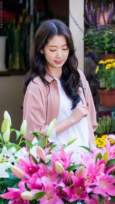 The Heirs, Heirs Korean Drama, Korean Actresses, Korean Actors, Park Shin Hye Drama, Dramas, Actress Wallpaper, Kim Woo Bin, Kdrama Actors