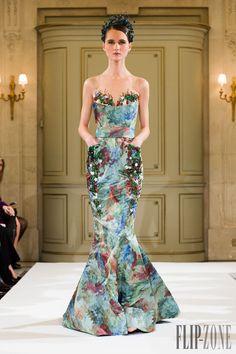 Yulia Yanina - Couture - Spring-summer 2014 - http://www.flip-zone.net/fashion/couture-1/independant-designers/yulia-yanina-4458