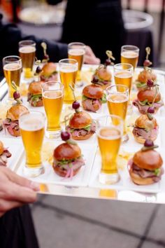 Brides: 6 Creative, Tasty Wedding Food Pairings for Cocktail Hour # Food and Drink pairing 9 Mini Cocktail Hour Food Pairings that Taste as Good as They Look Wedding Canapes, Wedding Appetizers, Wedding Catering, Wedding Snacks, Wedding Finger Foods, Wedding Foods, Mini Appetizers, Wedding Food Bars, Healthy Appetizers