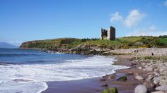 Aoife tells us about how walking the 60km from Tralee to Dingle on the Kerry Camino is an experience she'll never forget #Ireland #Kerry #KerryCamino #WildAtlanticWay http://irelandways.com/walking-the-kerry-camino