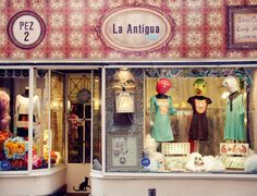 I want to go to La Antigua in Madrid.  What cool things!