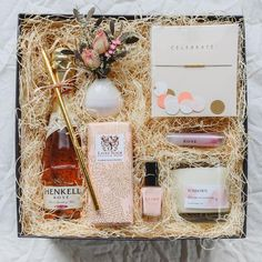 Don't see a box that fits your needs? Wine Gift Boxes, Wine Gift Baskets, Basket Gift, Diy Gifts, Gifts For Mom, Wedding Favors, Wedding Gifts, Gift Box Design, Soy Candle Making