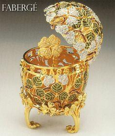 """Fabergé - """"Tout commence avec l'oeuf & la poule"""""""