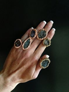 Druzy Agate Ring with Gold Cocktail Ring door DistinctivelyCHIC, $95.00