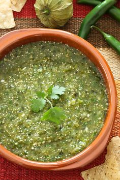 SALSA VERDE Salsa Verde is a fresh, healthy salsa made with roasted tomatillos, peppers, garlic, onion and cilantro. Perfect for dipping your tortilla chips into or used in recipes that call for jarred Salsa Verde. Salsa Picante, Mexican Dishes, Mexican Food Recipes, Ethnic Recipes, Comida Tex Mex, Salsa Guacamole, Salsa Salsa, Sauce Tartare, Salads