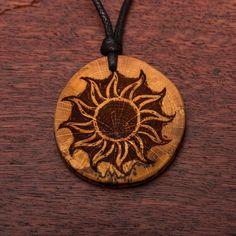 Sonne - Ketten Holzschmuck aus Naturholz / Anhänger Magick, Washer Necklace, Art Ideas, Diy Projects, Vegan, Business, Wood, Jewelry, Sewing Leather