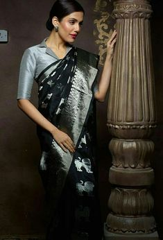 13 Incredible Collar Blouse Designs You Can Wear With Any Saree Blouse Designs High Neck, New Blouse Designs, Stylish Blouse Design, Silk Saree Blouse Designs, Collar Designs, High Collar Blouse, Designer Blouse Patterns, Collor, Blouse Styles