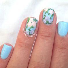 10 Pretty Floral Nails DIY Tutorials  Inspiration