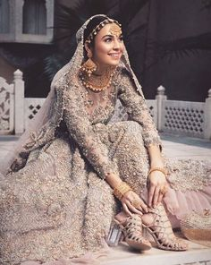 Oversized Earrings for Brides Inspired By Bollywood Celebrities: Royal Regal These Are Asian Wedding Dress, Pakistani Wedding Outfits, Indian Bridal Outfits, Pakistani Bridal Dresses, Pakistani Wedding Dresses, Indian Dresses, Bridal Lenghas, Asian Bridal, Walima Dress