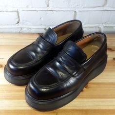 DOCTOR Doc Dr. MARTEN Women's Shoes  Black by SaltandHoneyUT