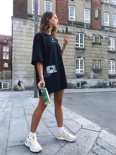 Fashion week street style dress shoes 60 Ideas for 2019 Mode Outfits, Casual Outfits, Fashion Outfits, Fall Outfits, Sneakers Fashion, Hipster Summer Outfits, Fasion, Dress Fashion, Summertime Outfits